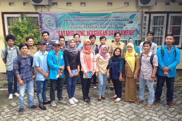 Foto Bersama Di Kantor DP3 Setelah Kuliah Lapangan